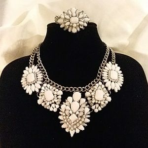 White & Silver Chunky Necklace Set